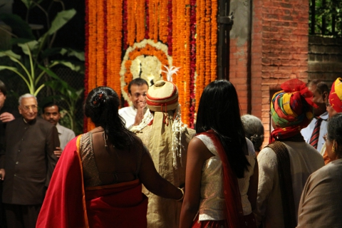 Himani's father welcomes Akash and his party